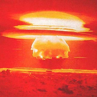 MMichel de Nostradamus Explosion atomique