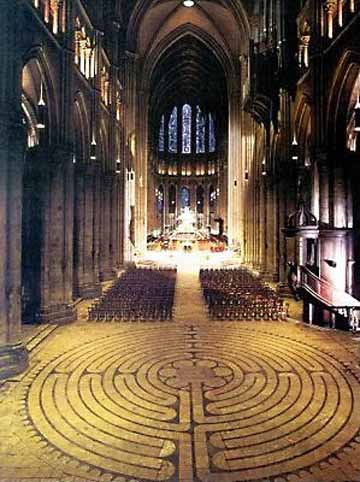 Chartres katedrálisának labirintusa