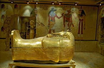 La tumba y el sarcofago de Tutankamon